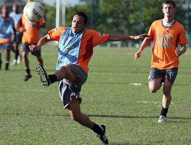 Tarracha, lateral-esquerdo do América-SP (Foto: Divulgação/América FC)