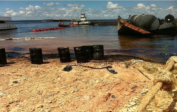 Acidente ocorreu na manhã desta terça (26) (Foto: Amazônia TV)