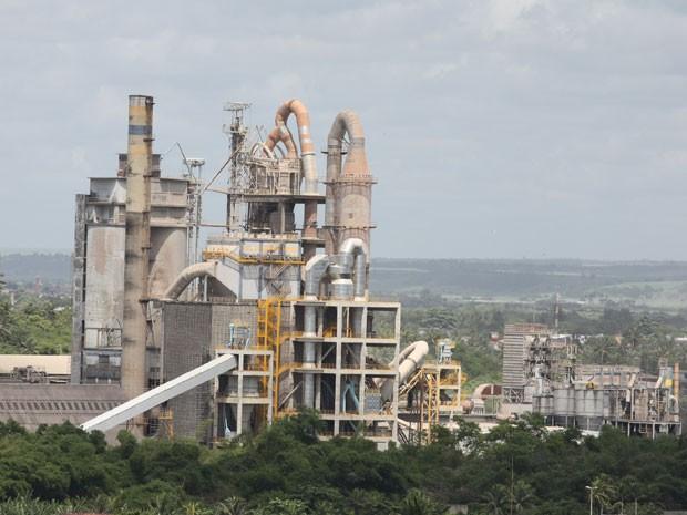 2141afcd2 G1 - Crise faz empresas adiarem instalação de fábricas de cimento na ...