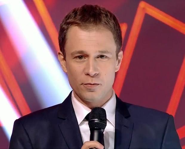 Tiago Leifert apresenta o penúltimo programa da terceira temporada do The Voice Brasil (Foto: TV Globo)