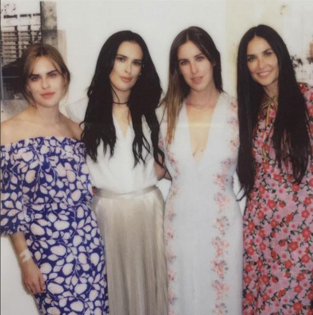 Tallulah, Rumer, Scout e Demi Moore   (Foto: Reprodução)
