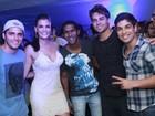 Bruno Gissoni e outros famosos curtem funk em festa no Rio