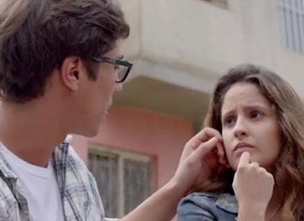 Desconfiada, Nanda quer visitar Filipe no novo trabalho
