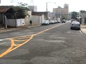 Rua Almeida Campos Mão Dupla Araxá (Foto: Reprodução/TV Integração)
