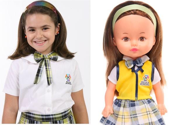 Maisa e a boneca da personagem Valéria (Foto: Divulgação/Estrela e SBT)