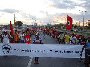 Integrantes do MST seguem em marcha em direção a Salvador (Foto: Everaldo Lins / Arquivo Pessoal)
