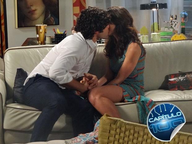 Arthur beija Manu com tudo  (Foto: Geração Brasil/ TV Globo)