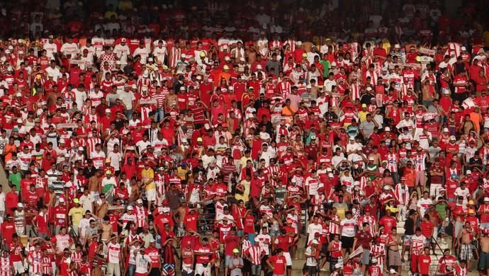 Torcida CRB (Foto: Viviane Leão/GloboEsporte.com)