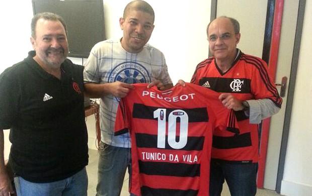 Tunico da Vila com o Bandeira, presidente do Flamengo (Foto: Raphael Bózeo)
