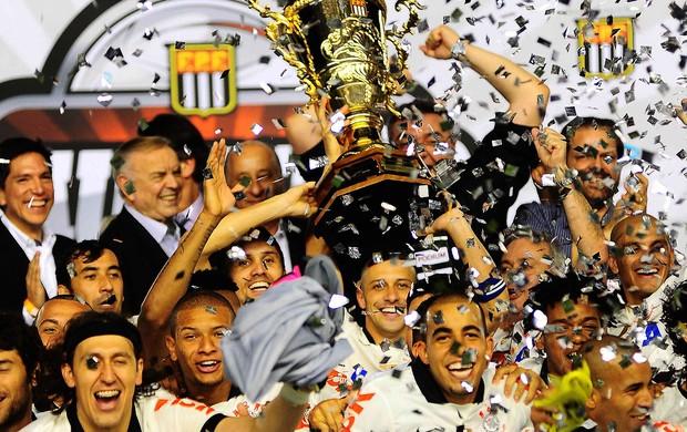 corinthians comemoração título paulista (Foto: Marcos Ribolli / Globoesporte.com)