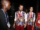 Thaila Ayala volta a desfilar de calça comprida no carnaval