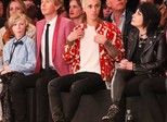 Astros prestigiam desfile de Yves Saint Laurent em Los Angeles