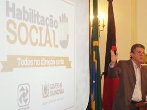 Governador Ricardo Coutinho anuncia programa que garante CNH gratuita na Paraíba (Foto: Jocélio Oliveira/G1 )