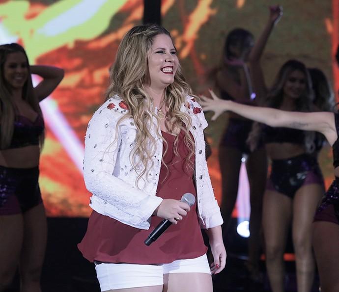 Marília Mendonça fez a alegria da galera cantando os sucessos no 'Domingão' (Foto: Arthur Meninea/Gshow)