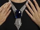 Leilão de joias arrecada mais de US$ 150 milhões e bate recorde