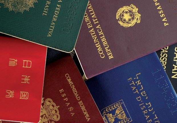 Passaportes estrangeiros (Foto: Reprodução/Facebook)