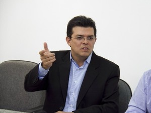 Prefeito de Campo Grande anuncia devolução de R$ 8,2 milhões referentes ao Gisa para o Ministério da Saúde (Foto: Marlon Ganassin/Prefeitura de Campo Grande)