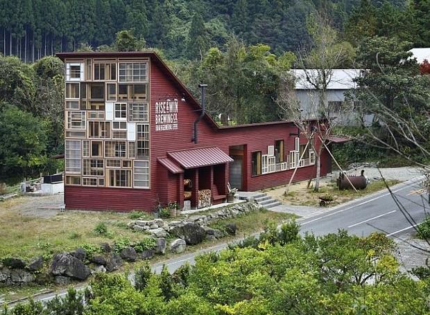 Casa feita apenas com material reciclado no Japão (Foto: Divulgação)