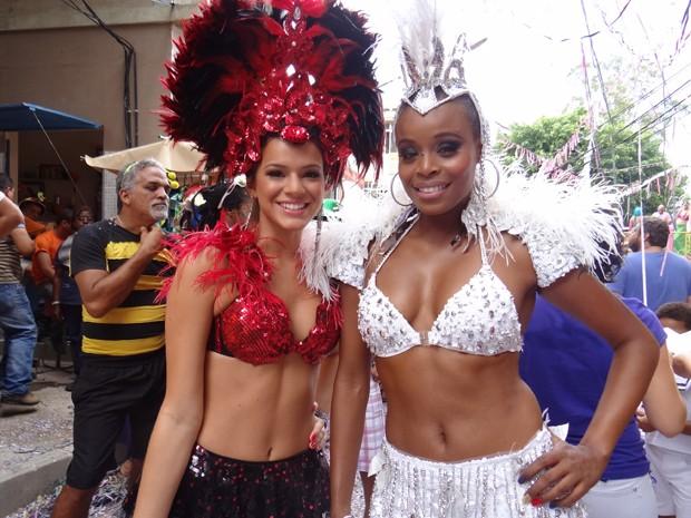 Bruna Marquezine e Roberta Rodrigues viram musas de carnaval em gravação