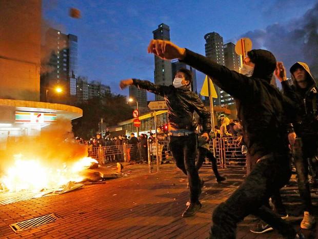Manifestação de comerciantes em Hong Kong (Foto: Kin Cheung / AP Photo)