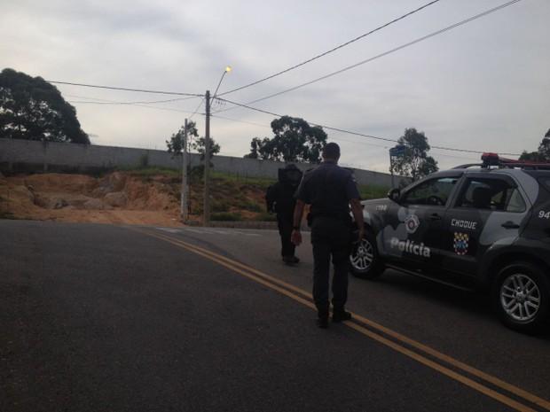 Gate precisou ser acionado para detonar explosivo (Foto: Rafael André/ arquivo pessoal)