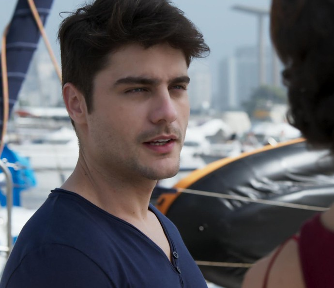 Tito convida Ana para dar uma volta ao mundo com ele (Foto: TV Globo)