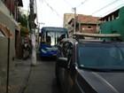 Homem é perseguido e morto a tiros dentro de ônibus na Federação