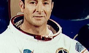 Morre Edgar Mitchell, astronauta americano que caminhou na Lua