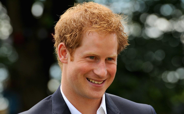 """Em discurso feito em junho de 2013, o príncipe Harry, do Reino Unido, afirmou: """"Homens de verdade tratam as mulheres com dignidade e lhes dão o respeito que merecem"""". (Foto: Getty Images)"""