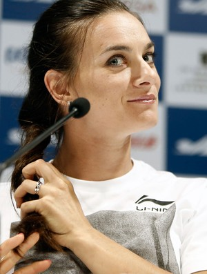 Yelena Isinbayeva coletiva Diamond league (Foto: Agência Reuters)