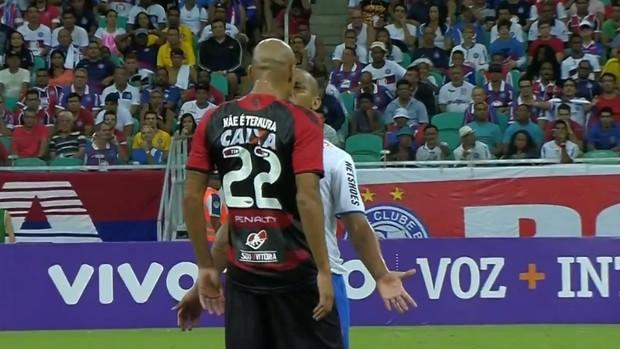 Souza Vitória Uelliton Bahia discussão (Foto: Reprodução SporTV)