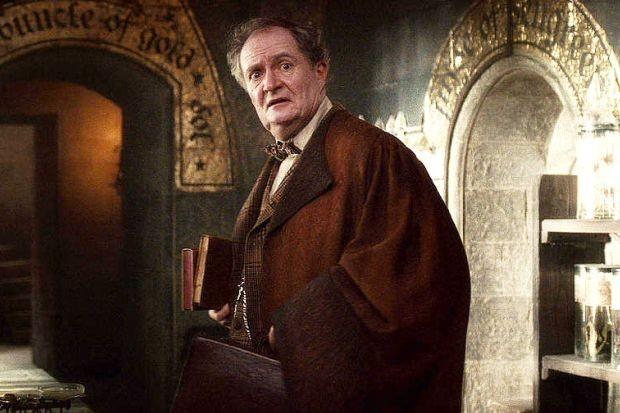 Jim Broadbent em cena de 'Harry Potter e o Enigma do Príncipe'  (Foto: Divulgação)