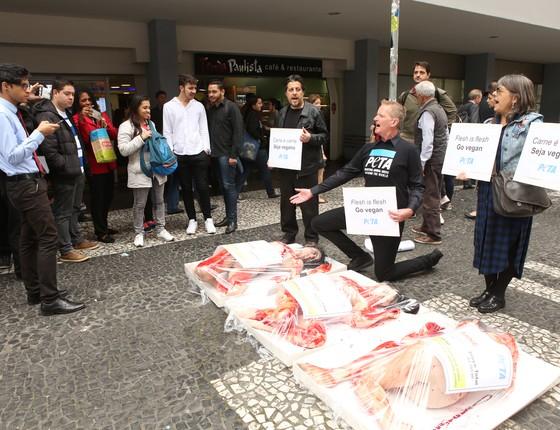 Protesto organizado pela Peta na Avenida Paulista, em São Paulo (Foto: Divulgação)