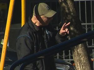 Suspeito admitiu que alugou de outro golpista a senha do PM por R$ 350,00 mensais (Foto: Reprodução/RBS TV)
