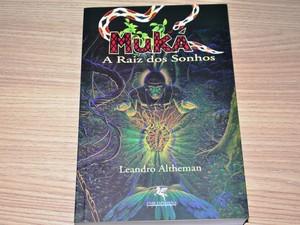 Livro Muká (Foto: Vanísia Nery/G1)
