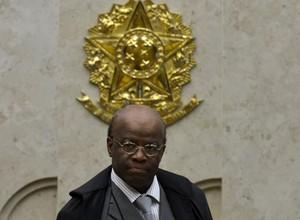Joaquim Barbosa deixa relatoria dos casos do mensalão