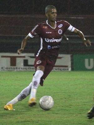 Rodrigo Lacraia, zagueiro da Desportiva (Foto: Henrique Montovanelli)