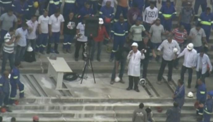 Oração Arena Corinthians (Foto: reprodução / TV Globo)