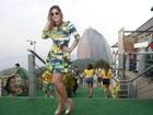 Solteira, Anamara chama atenção com corpão durante jogo do Brasil