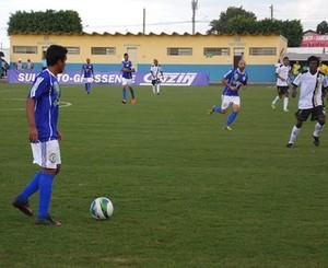 Lance entre Costa Rica-MS e Novoperário no estádio Laertão (Foto: Fellipe Scatolin/Costa Rica-MS)