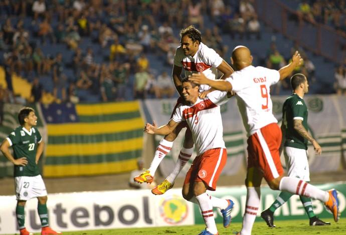 Brasília x Goiás - Sul-Americana - gol (Foto: CARLOS COSTA - Agência Estado)