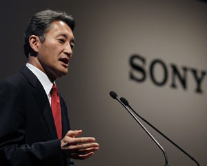 Novo presidente da Sony, Kazuo Hirai, participa de entrevista coletiva em T&#243;quio ap&#243;s an&#250;ncio das demiss&#245;es (Foto: Yuriko Nakao/Reuters)