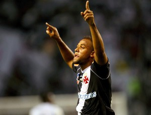 felipe bastos vasco gol botafogo (Foto: Guilherme Pinto / O Globo)
