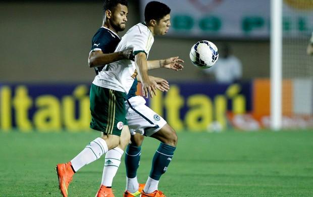 Jackson e Cristaldo Goiás x Palmeiras (Foto: Adalberto Marques / Ag. Estado)