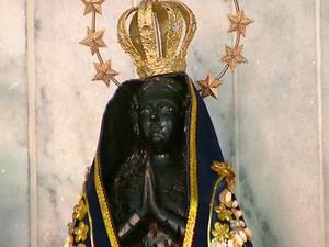 Imagem de Nossa Senhora Aparecida de capela de Ribeirão Bonito (Foto: Ely Venâncio/EPTV)