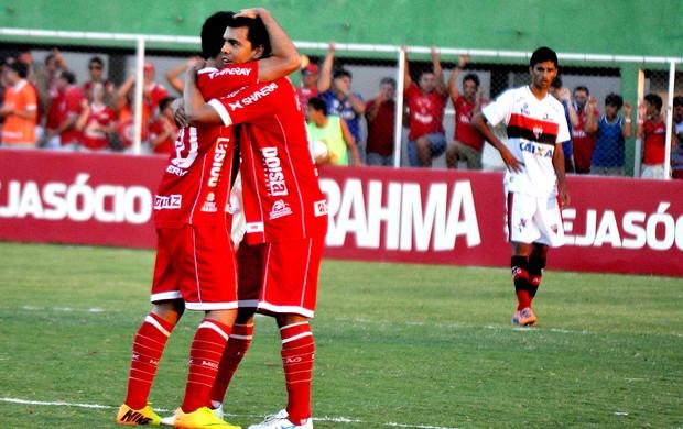 América-RN comemoração vitória sobre o Atlético_GO (Foto: Frankie Marcone / Ag. Estado)