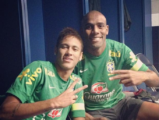 Neymar e Maicon antes de treino da seleção em Boston (Foto: Reprodução / Instagram)
