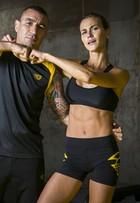Renata Kuerten mostra treino de luta que a deixou com o abdômen sarado