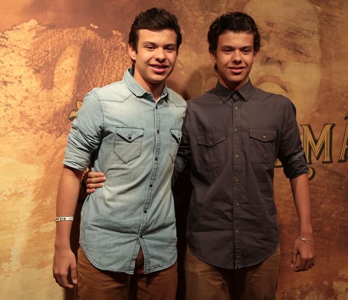 Lorenzo e Enrico Rocha dão vida a Yaqub e Omar, respectivamente  (Foto: Isabella Pinheiro/ Gshow)