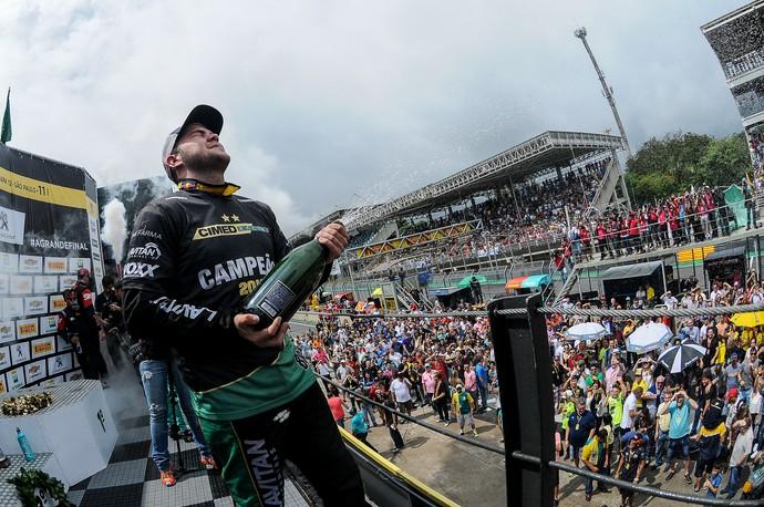 Felipe Fraga campeão Stock Car 2016 (Foto: Duda Bairros)